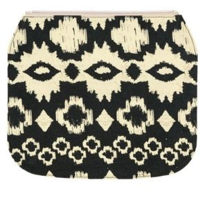 Black and White Thirty-one  Zip Flap Cover
